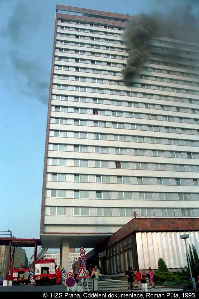 Od nejtragičtějšího požáru v Praze uběhlo 25 let. Plameny zabily osm lidí, třicet jich zranilo