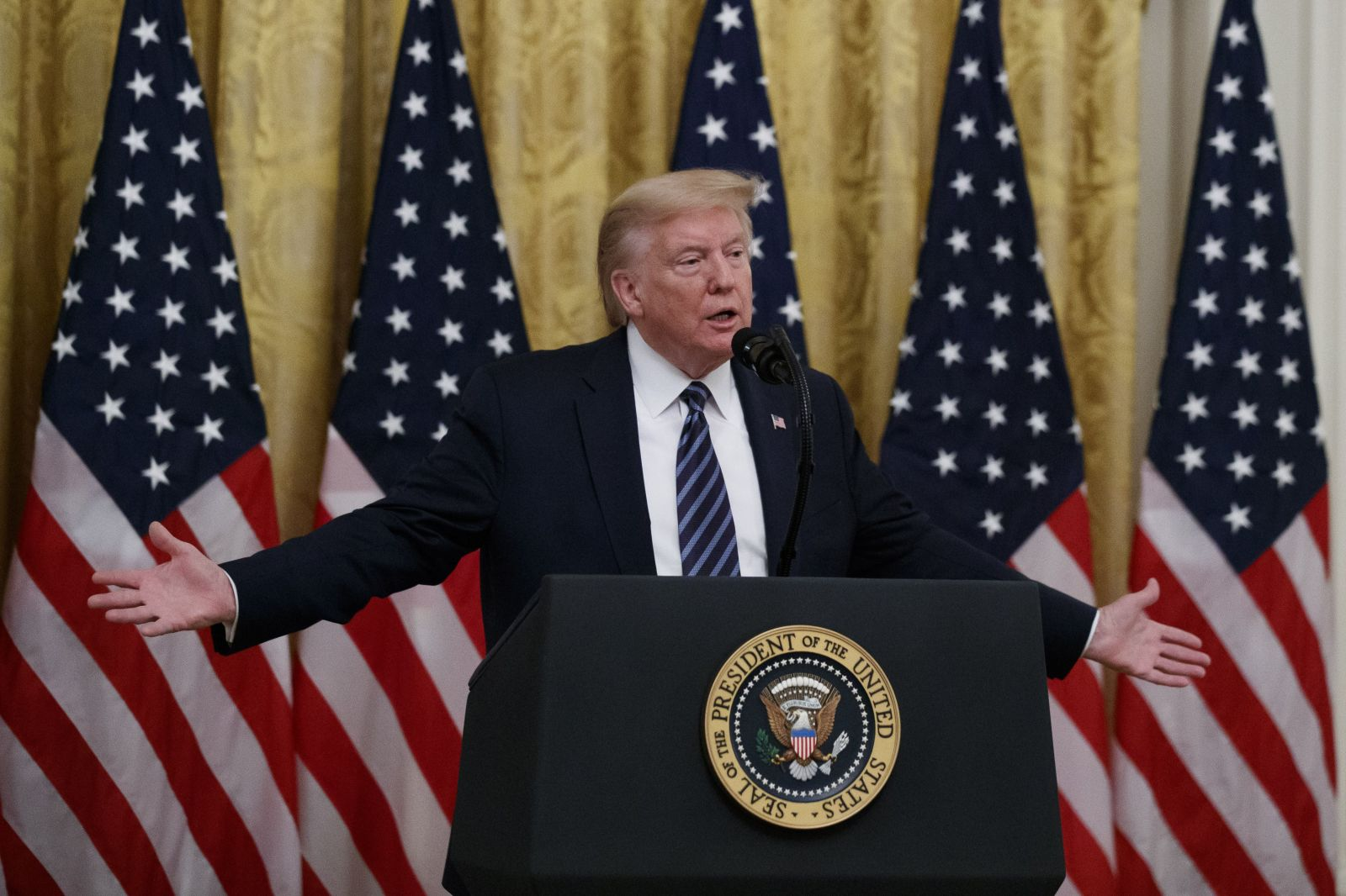 Donald Trump žádal čínského prezidenta o volební podporu. Bývalý poradce v nové knize odtajňuje další skandály