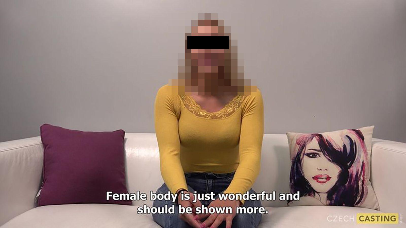 Razie v největší české porno produkci: Ženy k sexu měli nutit, některé chtěly spáchat sebevraždu, viníkům hrozí 12 let vězení