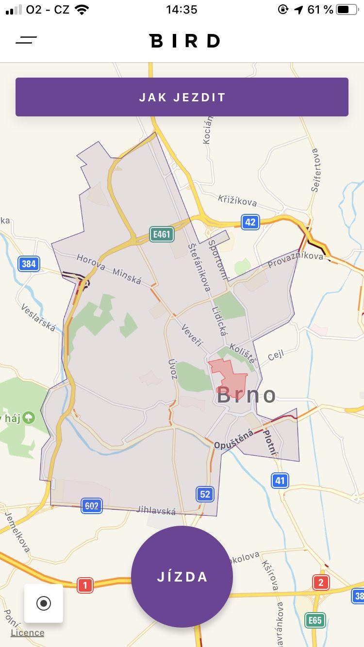 150 elektrokoloběžek zaplavilo Brno, vedení města nikdo nedal vědět. Chystá se tam i Lime