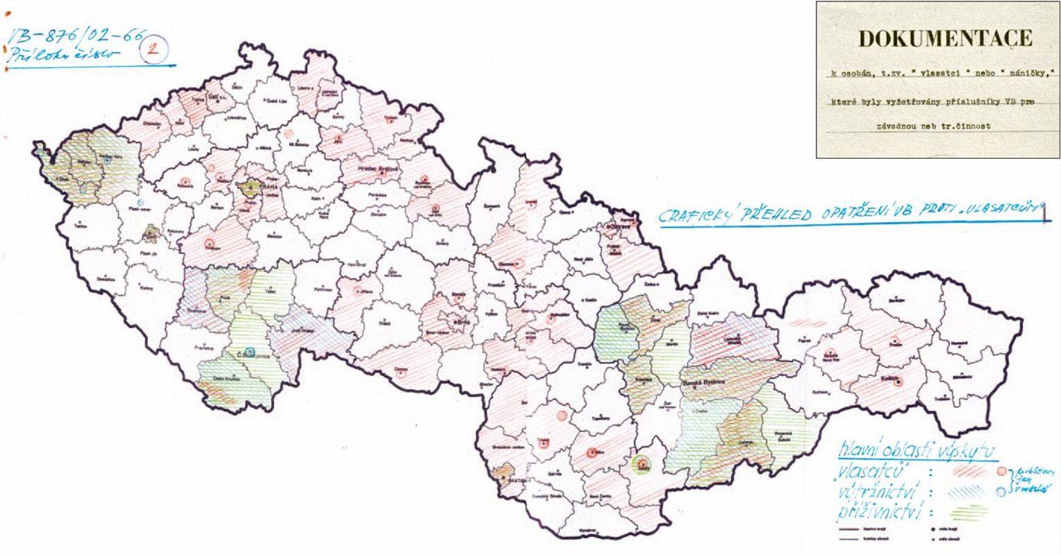 Czechtek 2005: Subkulturní událost roku rozehnaly stovky těžkooděnců slzným plynem a vodními děly