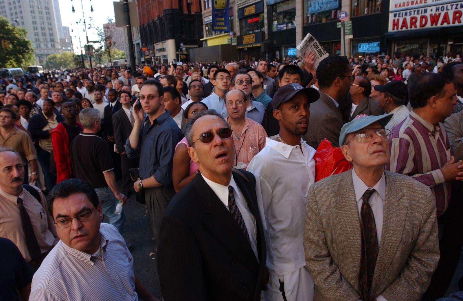 Přerušujeme vysílání. TV a přetížený internet informovali o útocích 11. září 2001 jen chvíli po tragédii, svět dodnes vzpomíná