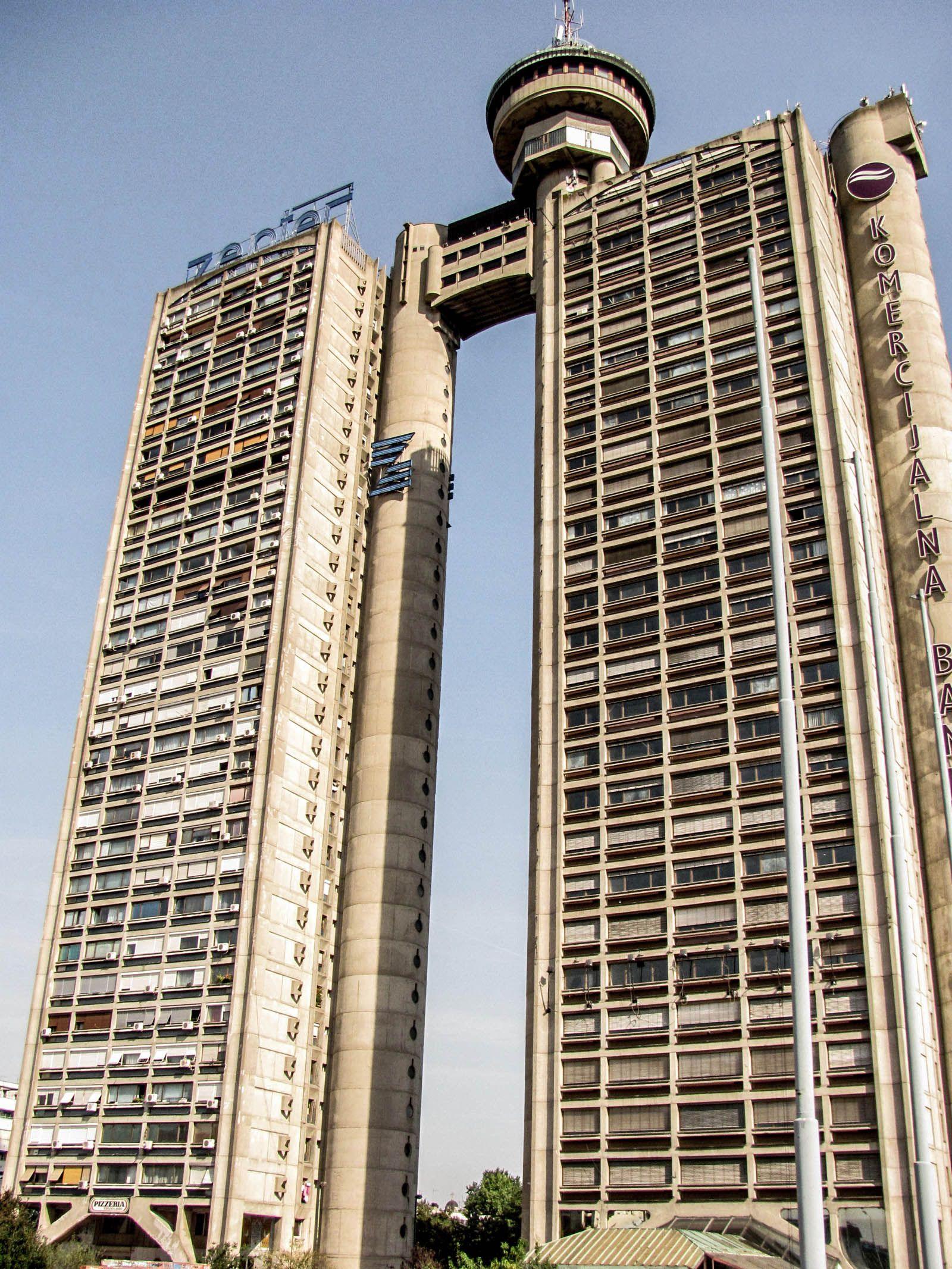 Podivné architektonické experimenty nebo vznešené monumenty? Utopický brutalismus je jedním z nejpozoruhodnějších stavebních stylů