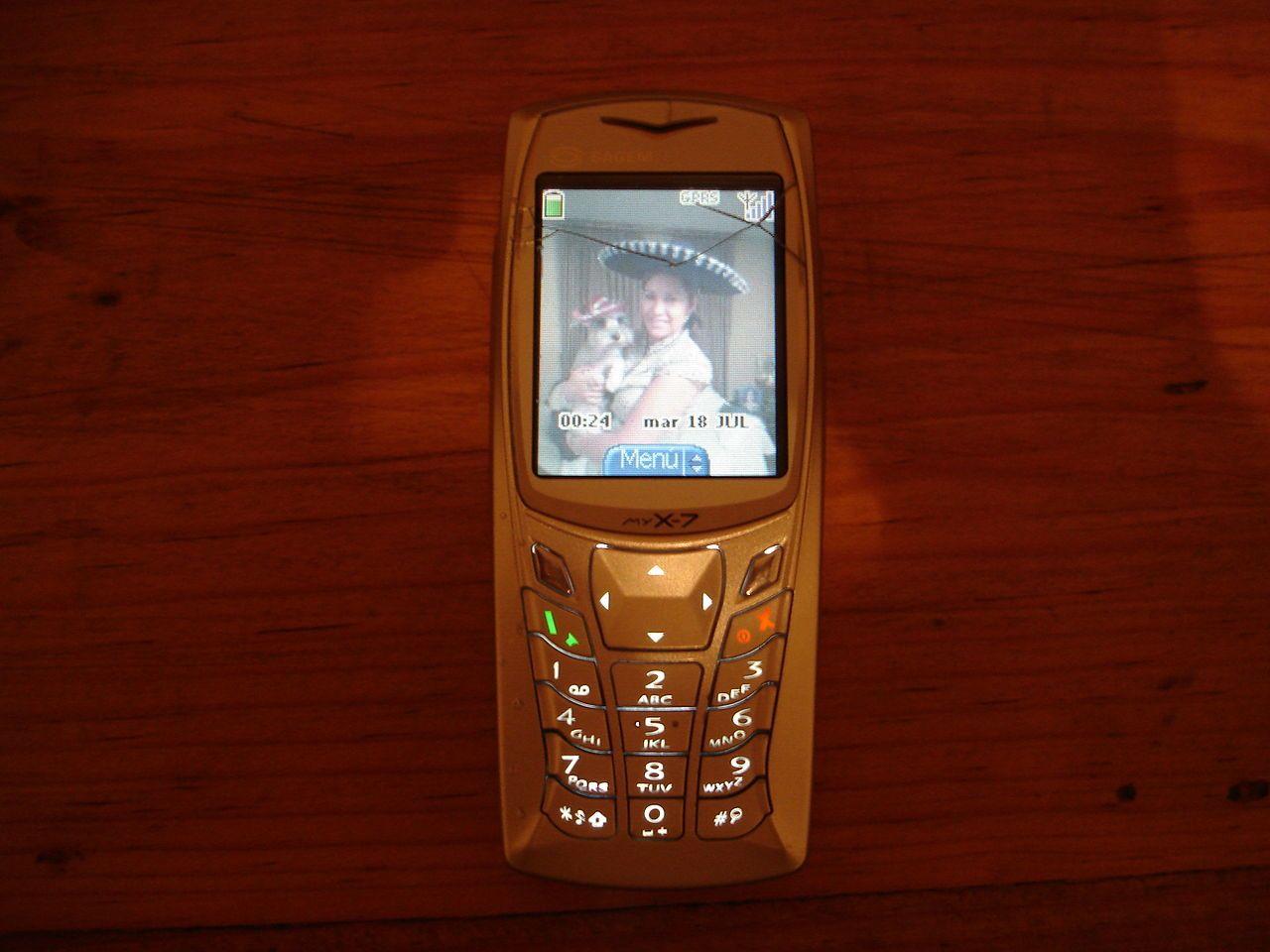 Na ktoré z týchto legendárnych tlačidlových telefónov si ešte pamätáš?