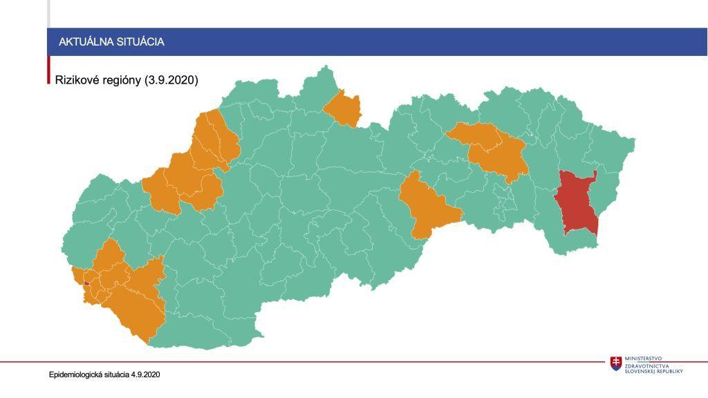 """Krajčí nevylúčil, že by Česko a Rakúsko pribudli na zoznam """"červených"""" krajín. Odporúča zákaz konzumácie alkoholu po 22:00"""