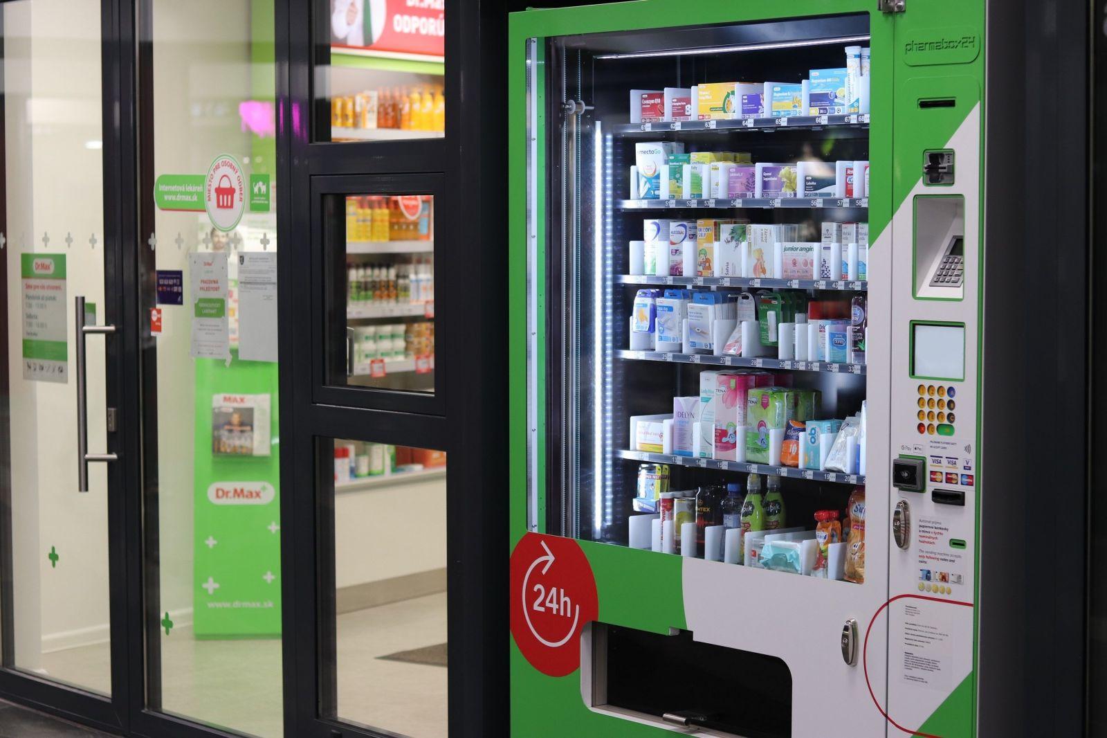 Slovensko má prvý automat na lieky. Zachráni ťa, keď je všetko zatvorené