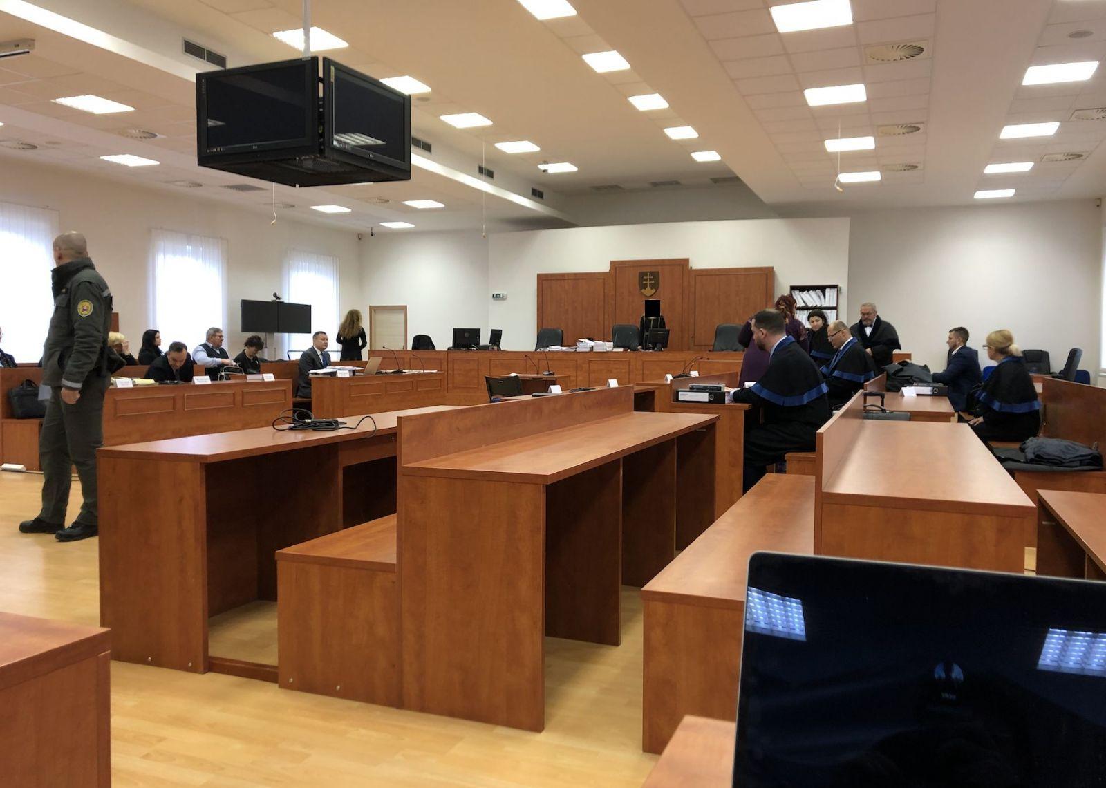 LIVE zo súdu s Kočnerom: Dnes začína hlavné pojednávanie v prípade vraždy Jána Kuciaka a Martiny Kušnírovej
