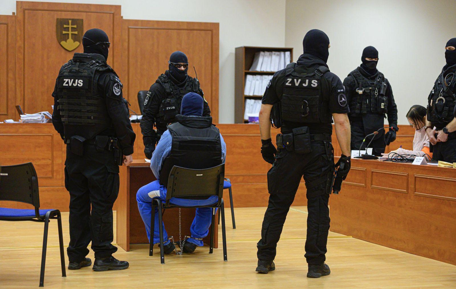 Hlavné pojednávanie v kauze vraždy novinára Jána Kuciaka a jeho družky Martiny Kušnírovej na Špecializovanom trestnom súde v Pezinku, 14. januára 2020. Na snímke svedok Zoltán Andruskó (sediaci)