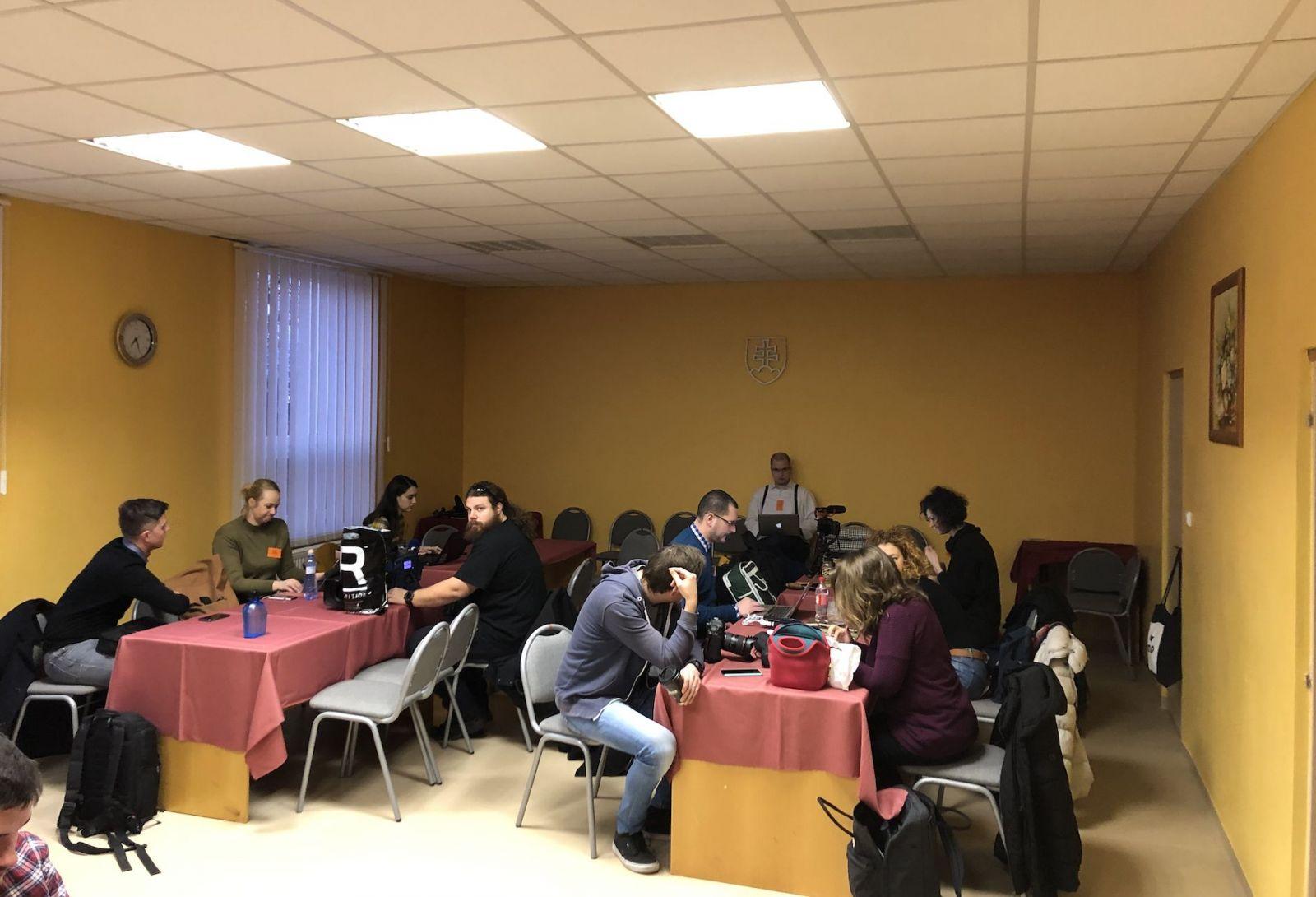 """LIVE zo súdu s Kočnerom: Svedok Haščák bude vysvetľovať """"od**banie čuráka"""", Bödör sledovanie novinárov"""