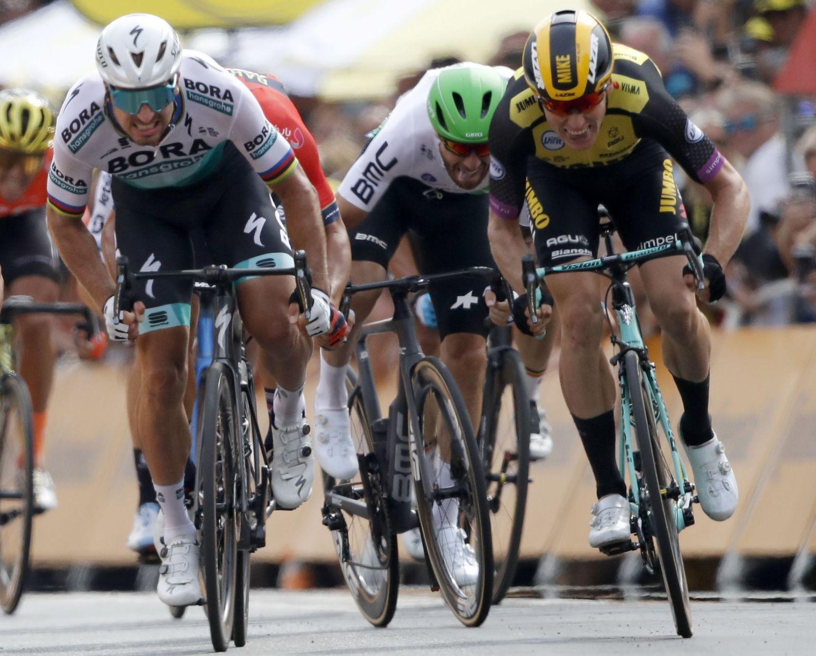 Cyklisti na Tour de France spália 140 000 kalórií za 21 dní. Takto vyzerá ich jedálniček