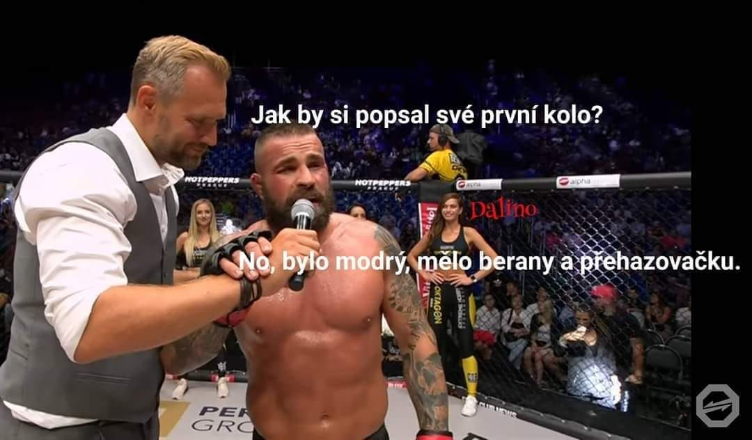 Najlepšie meme obrázky zo zápasu medzi Attilom Véghom a Karlosom Vémolom: Vypol ho ako Windows, splň sa mu senil