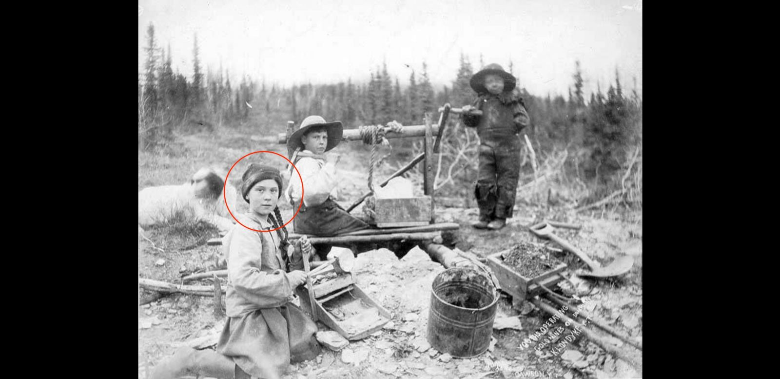Univerzita zverejnila 120-ročnú fotku, na ktorej sa dievča nápadne podobá na Gretu Thunberg
