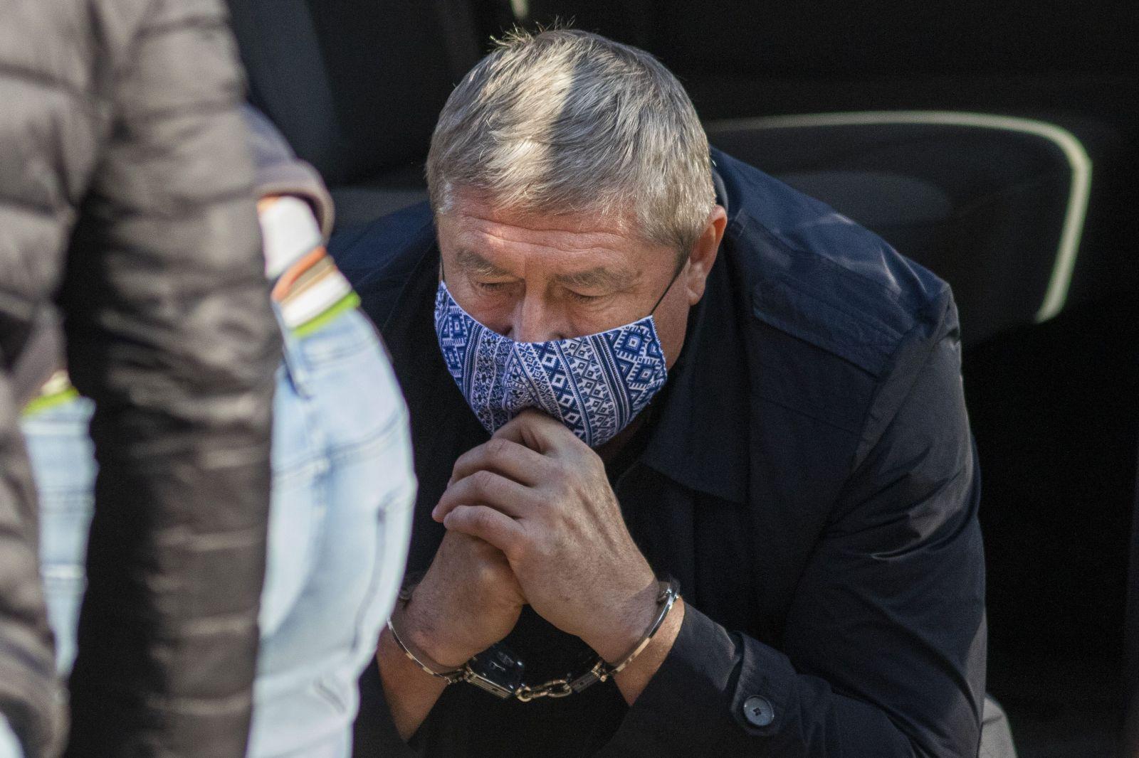 """Dušan Kováčik už nie je pán """"62:0"""". Prehľadali mu kanceláriu, zatajených spisov je až 111"""