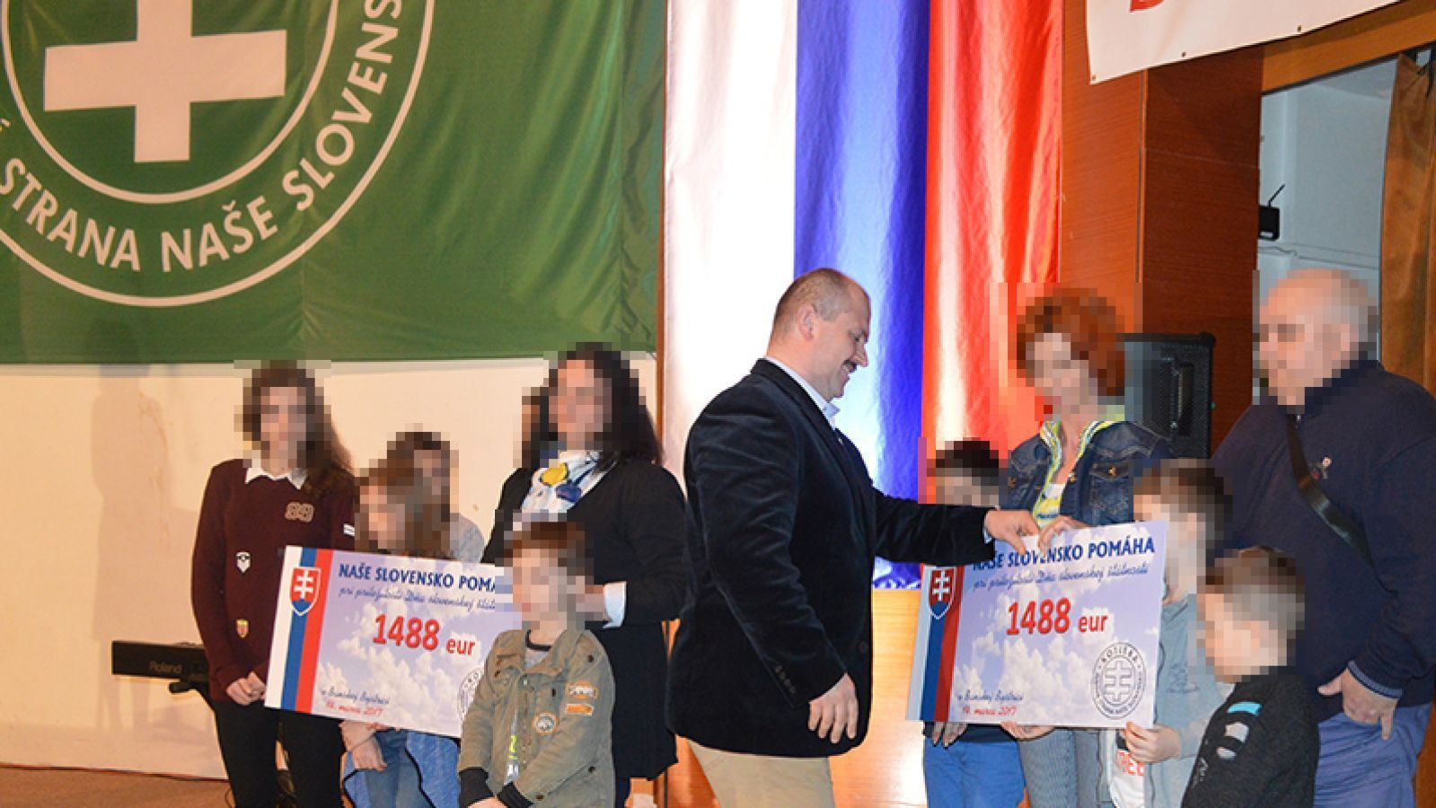 Marian Kotleba podal námietku zaujatosti voči sudkyni v prípade šekov na 1488 €. Tvrdí, že sa stretávala so znalcom