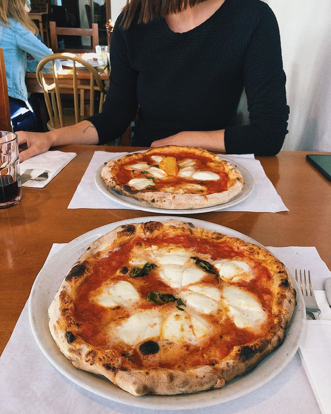 Mileniáli si objednávajú pizzu, lebo vyzerá dobre na Instagrame, tvrdí štúdia