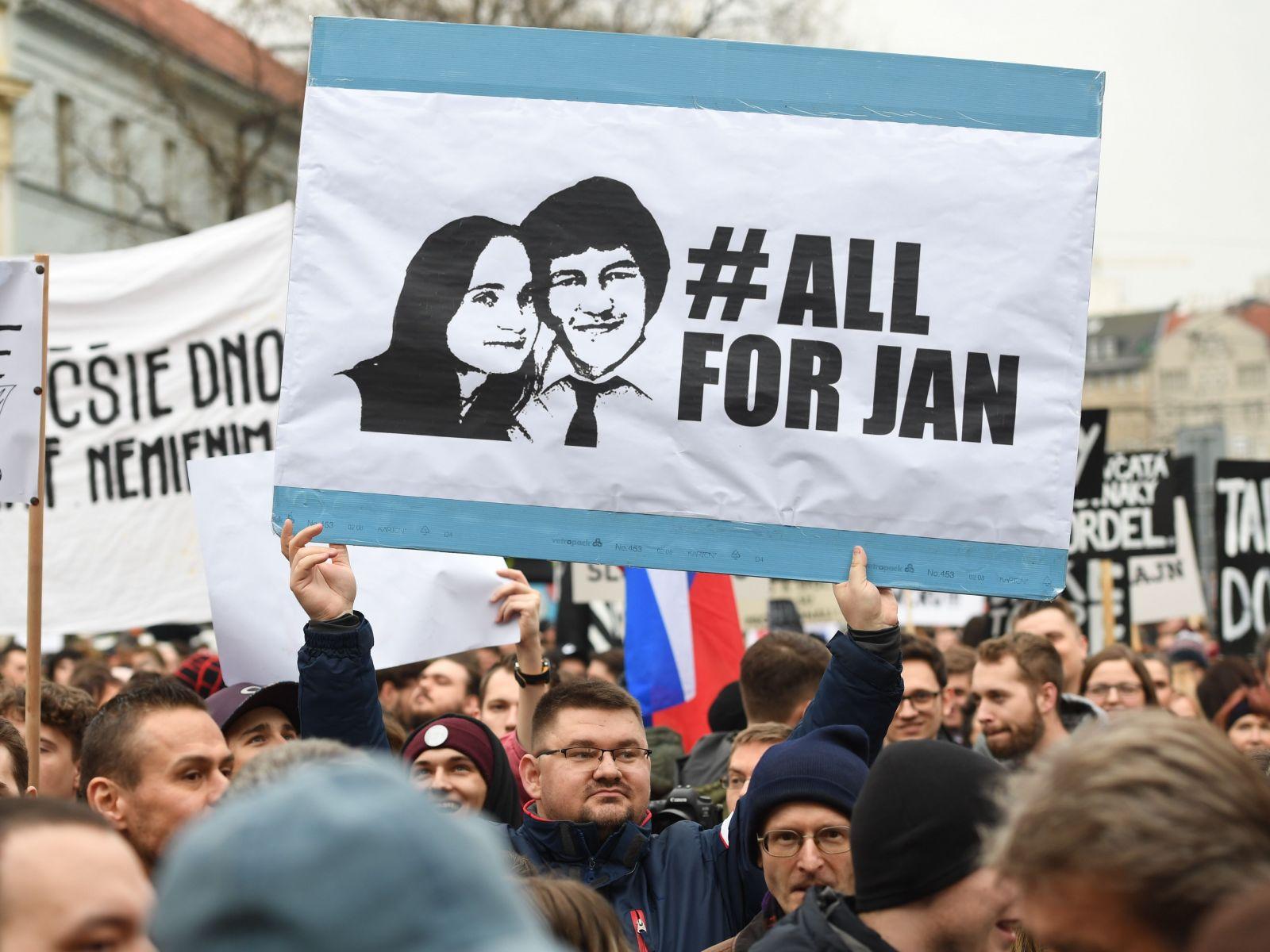 10 citátov z Kočnerovej Threemy, z ktorých mrazí: Smejú sa zo zavraždeného novinára Jána Kuciaka a Robert Fico je alkoholik