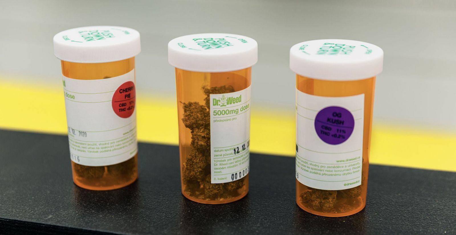 CBD: Látka pripomínajúca marihuanu, ktorá pomáha prekonávať stavy úzkosti adepresie. Objektívne dôkazy stále absentujú