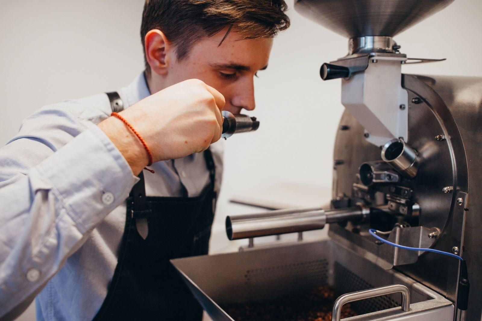 Novým slovenským kráľom v príprave kávy je Mário, bude nás reprezentovať v americkom Bostone (Rozhovor)