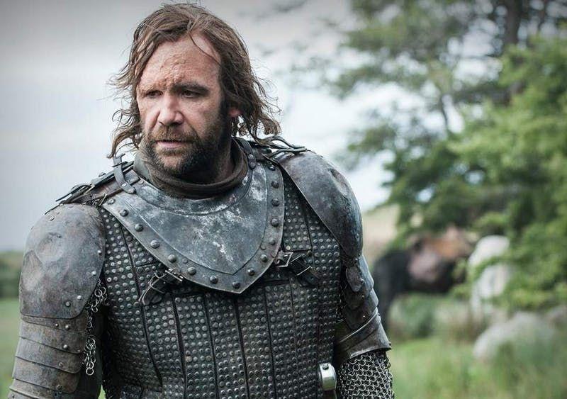 The Hound z Game of Thrones kradol jedlo a spal v stane. Až seriál mu zmenil život k lepšiemu