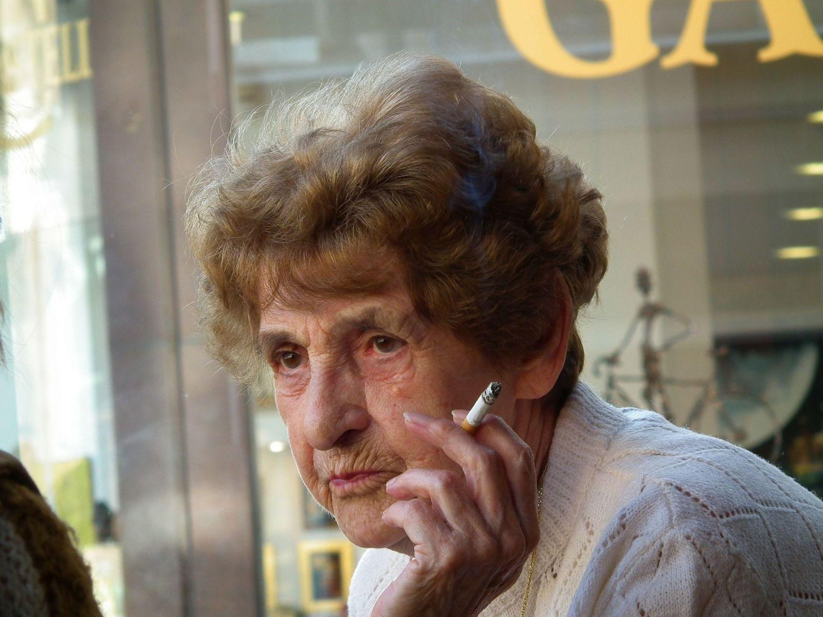 Fajčenie cigariet prispieva k vzniku depresie a schizofrénie, ukázala štúdia