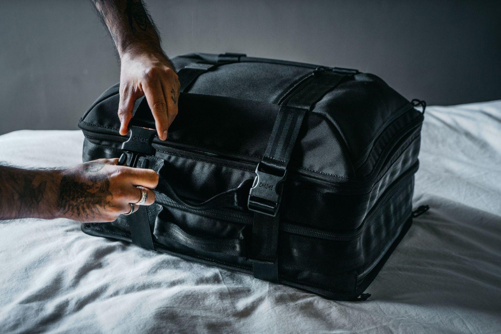 51668e2a5 Notebook, ešus, ale aj rezeň len tak s chlebíkom. Do ktorého batohu ...