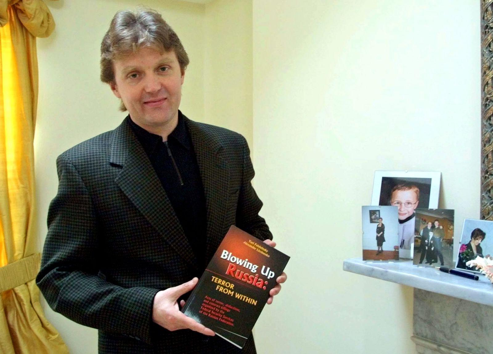 Bývalý agent KGB byl v Londýně otráven radioaktivním poloniem, pachatel je dodnes neznámý. Kdo byl Alexander Litviněnko?