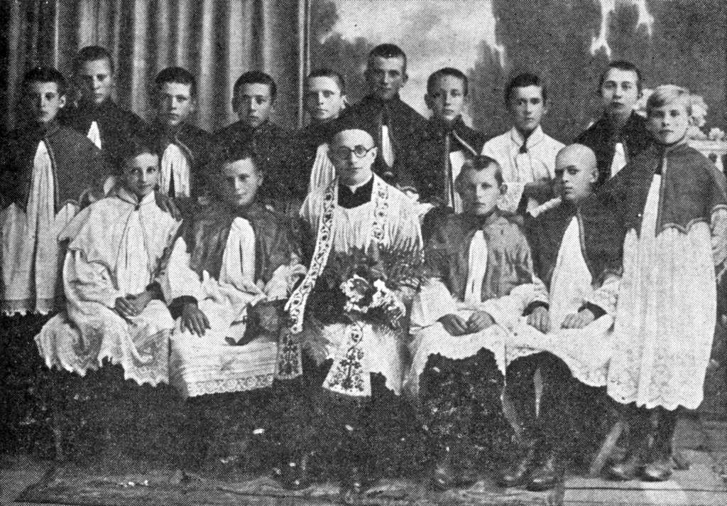 Jan Pavel II. by letos oslavil sto let. Svatořečený Polák přežil válku i dva atentáty, z nichž jeden utajovaný měl na svědomí kněz