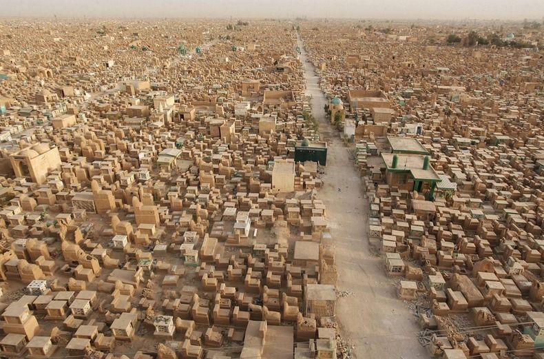 Největší hřbitovy světa: Nezměrné moře náhrobních kamenů, hrobek a miliony mrtvých